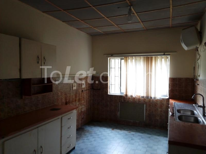5 bedroom House for rent Creek Crescent Beachland Estate Apapa Lagos - 2