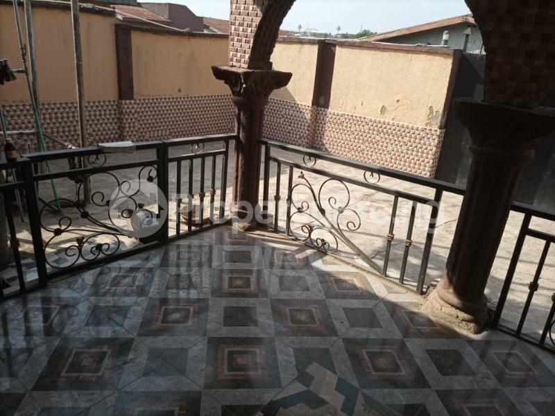 6 bedroom Detached Duplex House for sale Location: alafia estate behind sawmail apata,off gbekuba, ibadan, Apata Ibadan Oyo - 3