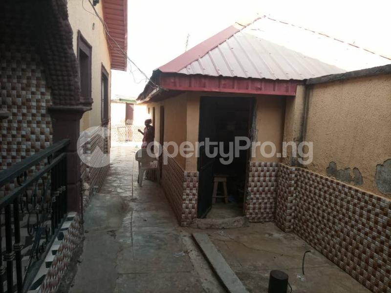 6 bedroom Detached Duplex House for sale Location: alafia estate behind sawmail apata,off gbekuba, ibadan, Apata Ibadan Oyo - 11