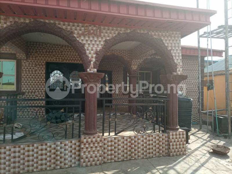 6 bedroom Detached Duplex House for sale Location: alafia estate behind sawmail apata,off gbekuba, ibadan, Apata Ibadan Oyo - 2