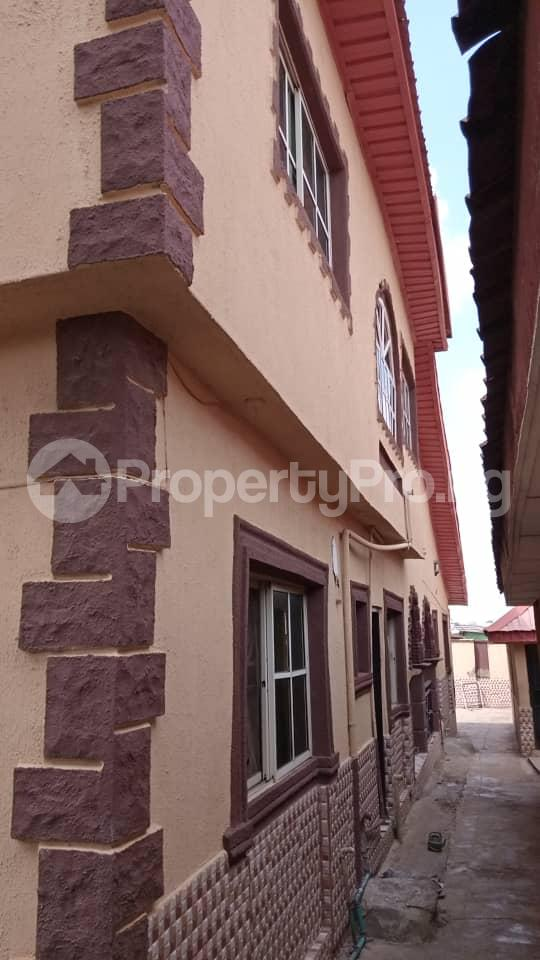 6 bedroom Detached Duplex House for sale Location: alafia estate behind sawmail apata,off gbekuba, ibadan, Apata Ibadan Oyo - 6