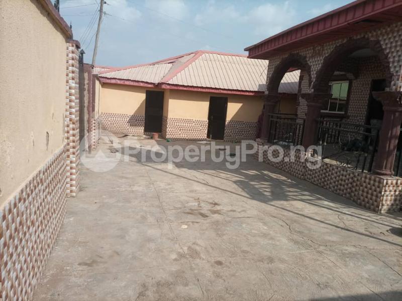 6 bedroom Detached Duplex House for sale Location: alafia estate behind sawmail apata,off gbekuba, ibadan, Apata Ibadan Oyo - 15