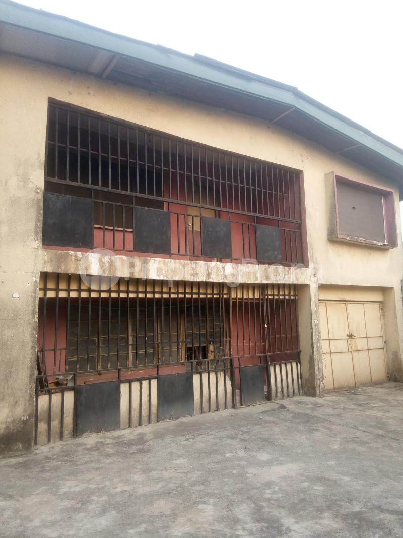 6 bedroom House for rent 2 Overcomers Church Street, Off Faulks Road Aba Abia - 0