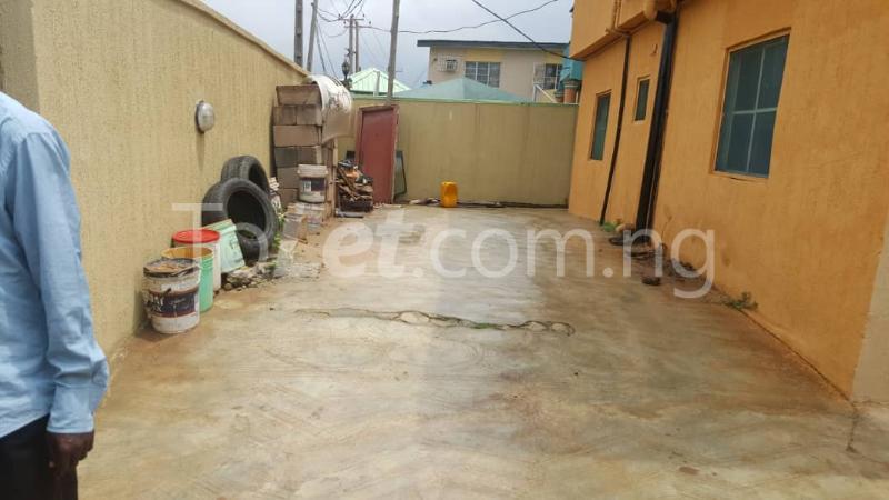 6 bedroom Flat / Apartment for sale lambo street off Adisa Balogun street by Ajibola crescent alapere Alapere Kosofe/Ikosi Lagos - 2