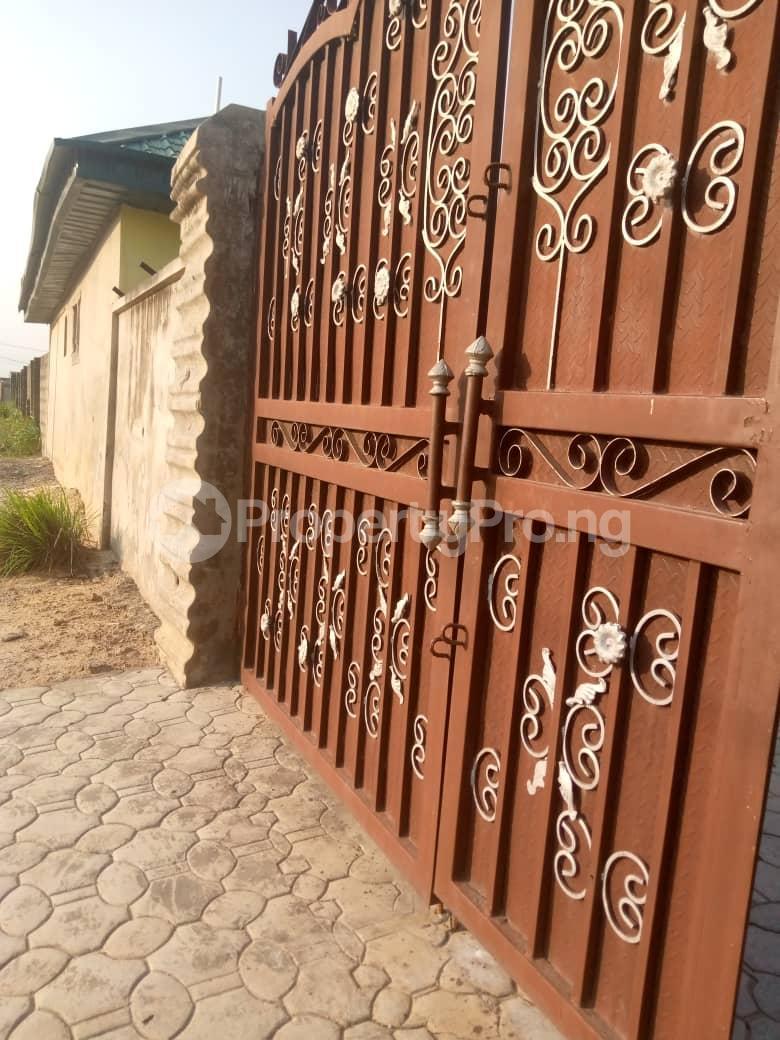 10 bedroom Blocks of Flats House for sale Ofin/oreta Road Igbogbo Ikorodu Igbogbo Ikorodu Lagos - 23
