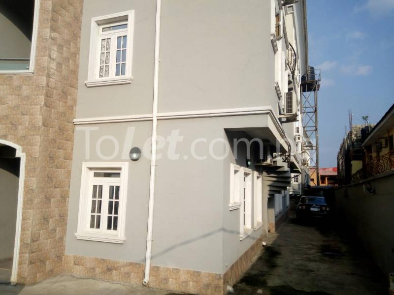 3 bedroom Blocks of Flats House for sale Sosanya street   Soluyi Gbagada Lagos - 8