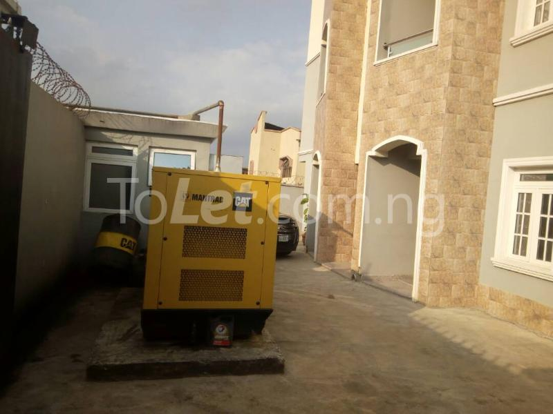 3 bedroom Blocks of Flats House for sale Sosanya street   Soluyi Gbagada Lagos - 9