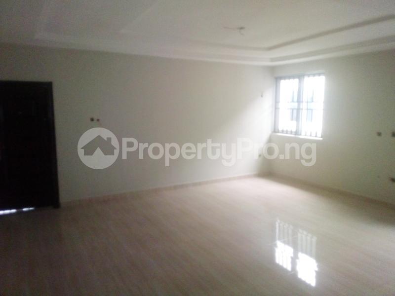 7 bedroom Detached Duplex for sale World Bank Housing Estate New Owerri Owerri Imo - 3