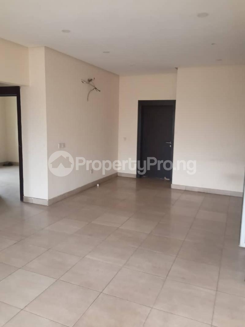3 bedroom Flat / Apartment for rent   Shonibare Estate Maryland Lagos - 4