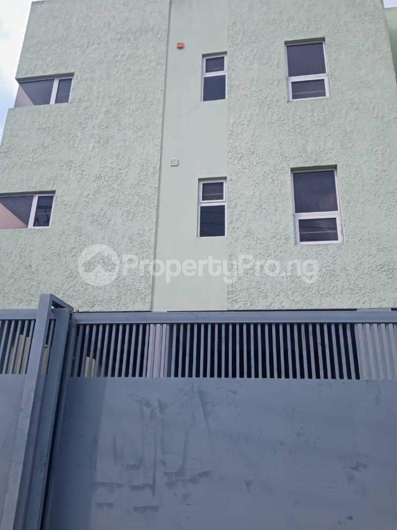 3 bedroom Flat / Apartment for rent   Shonibare Estate Maryland Lagos - 6