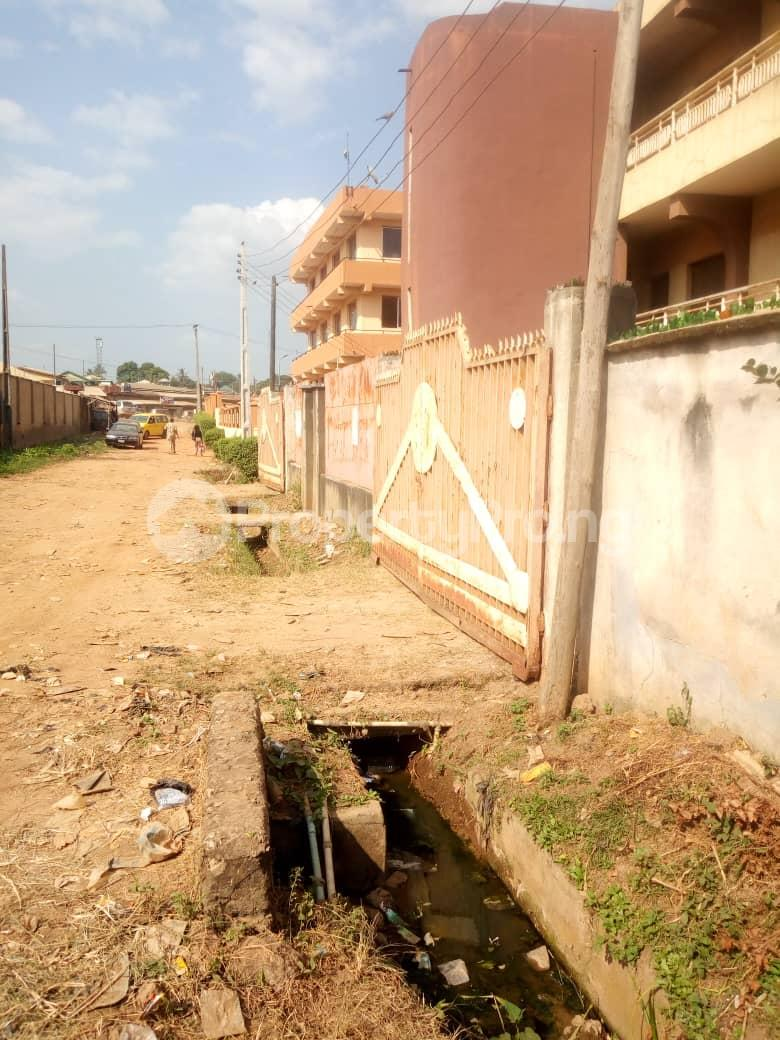 3 bedroom Commercial Property for sale New gbagi market old ife road Iwo Rd Ibadan Oyo - 3