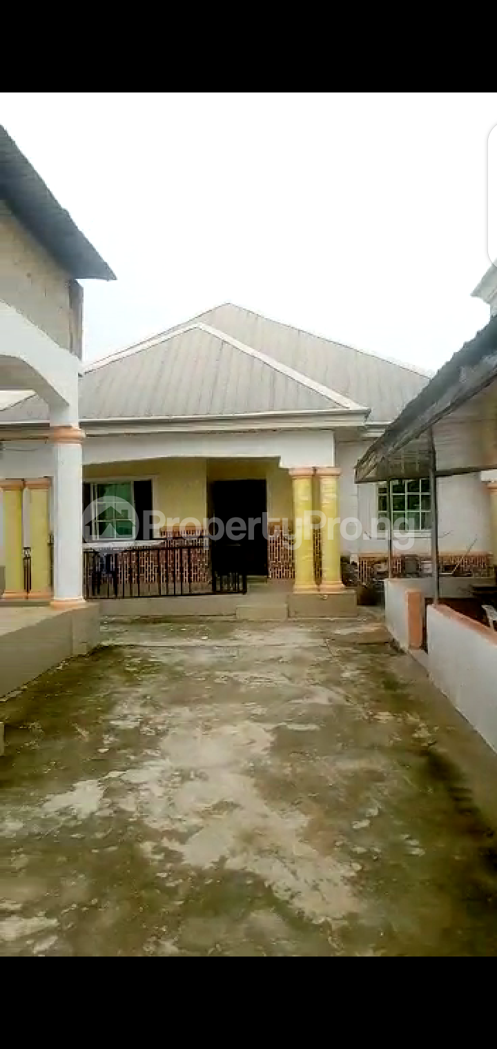 8 bedroom Detached Bungalow House for sale Abba Father Street, Off Owerri, Imo State. Owerri Imo - 0