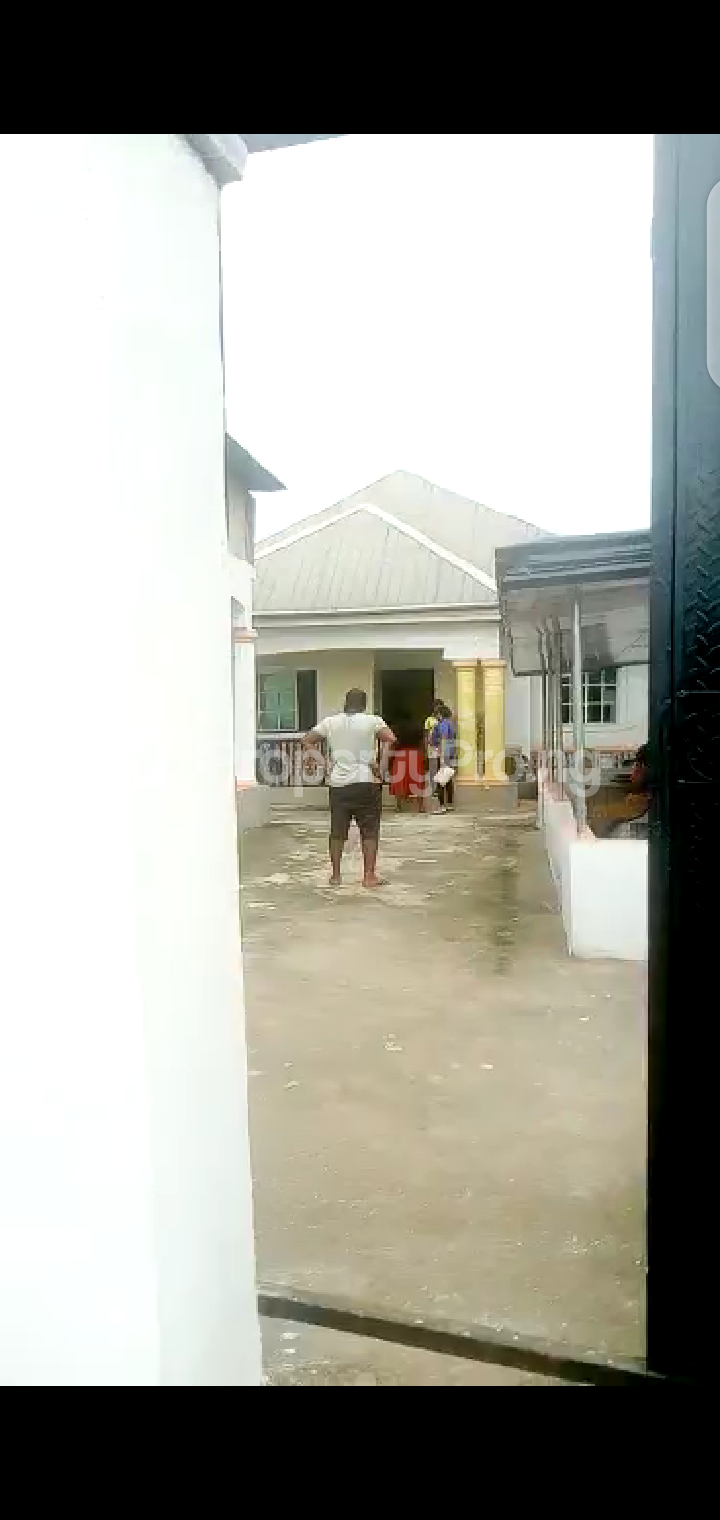 8 bedroom Detached Bungalow House for sale Abba Father Street, Off Owerri, Imo State. Owerri Imo - 5
