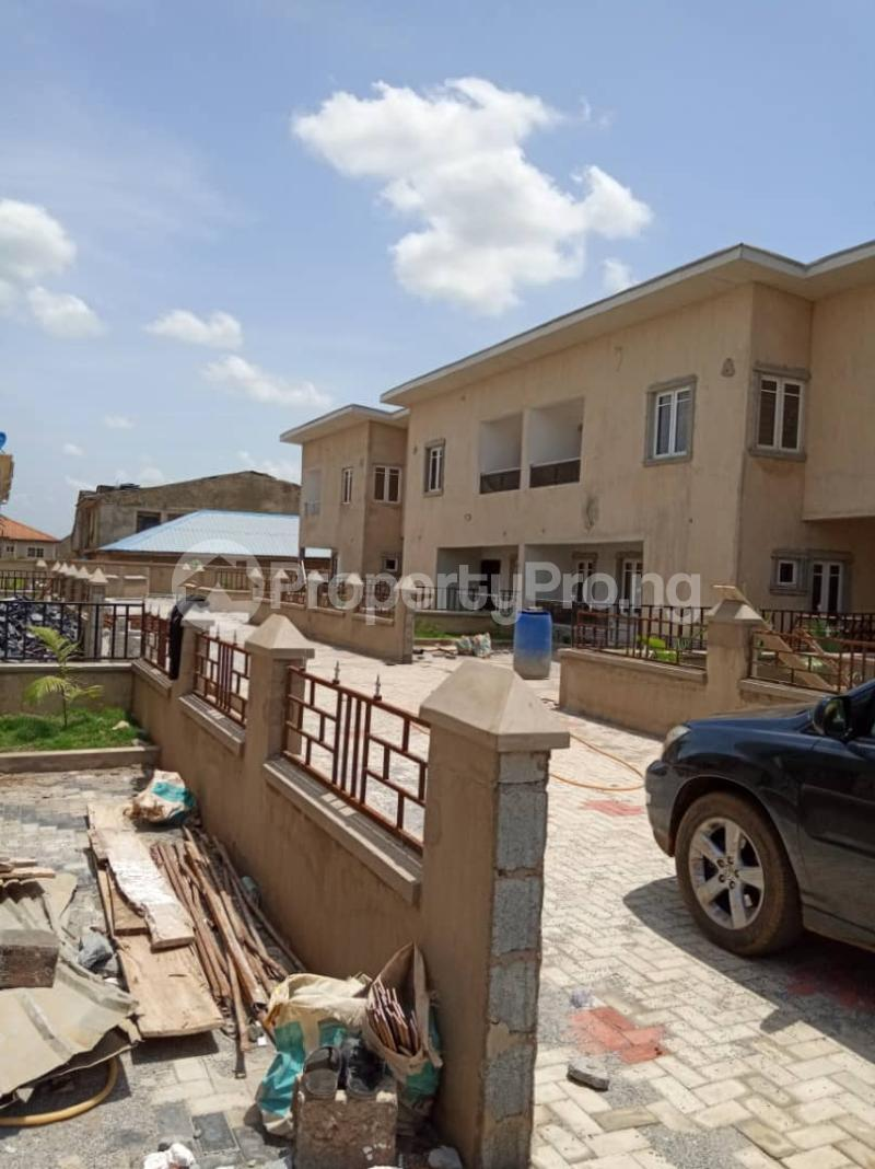4 bedroom Detached Duplex House for sale Laderin estate  Oke Mosan Abeokuta Ogun - 4