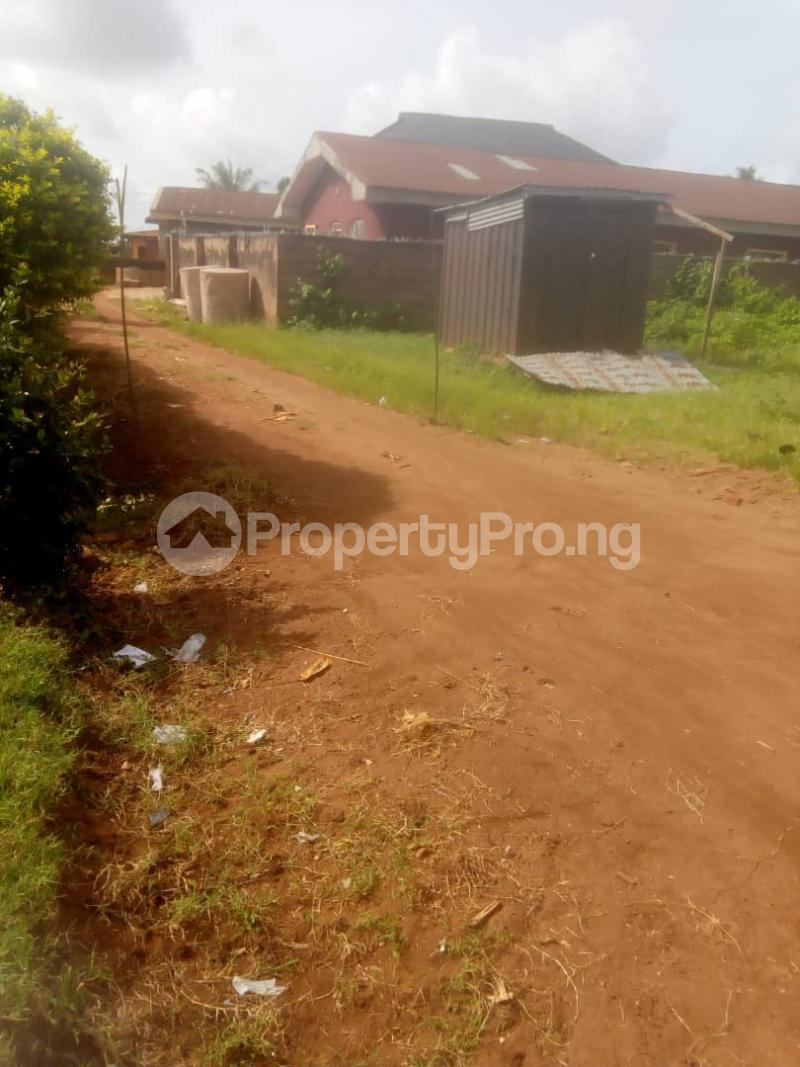 8 bedroom Detached Bungalow House for sale Close to teachers house, Ogida barrack, siloku road Egor Edo - 2
