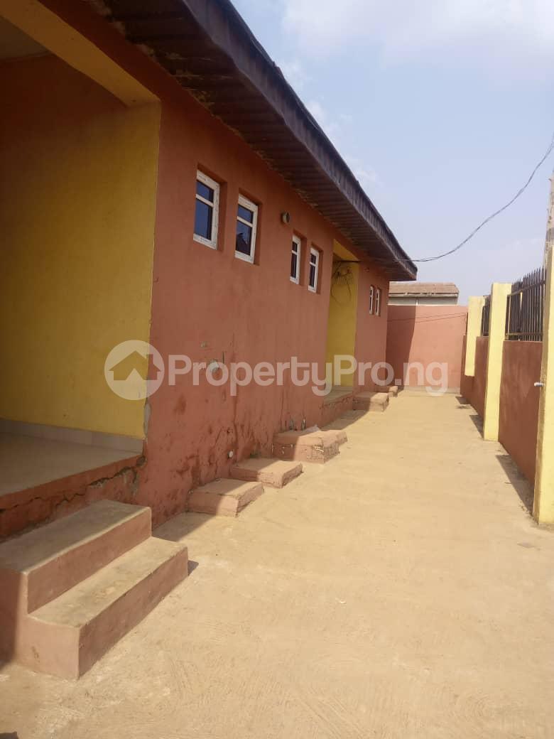 8 bedroom Flat / Apartment for sale Oloya area, Apete ibadan Ibadan Oyo - 4