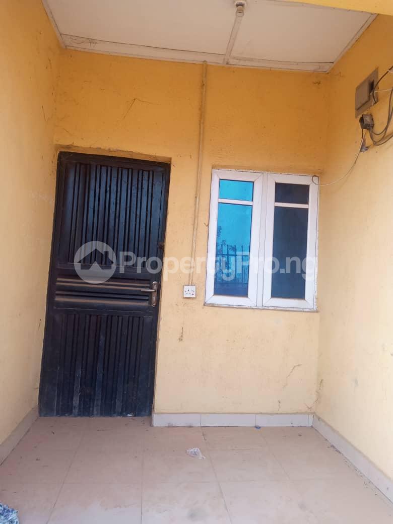8 bedroom Flat / Apartment for sale Oloya area, Apete ibadan Ibadan Oyo - 3