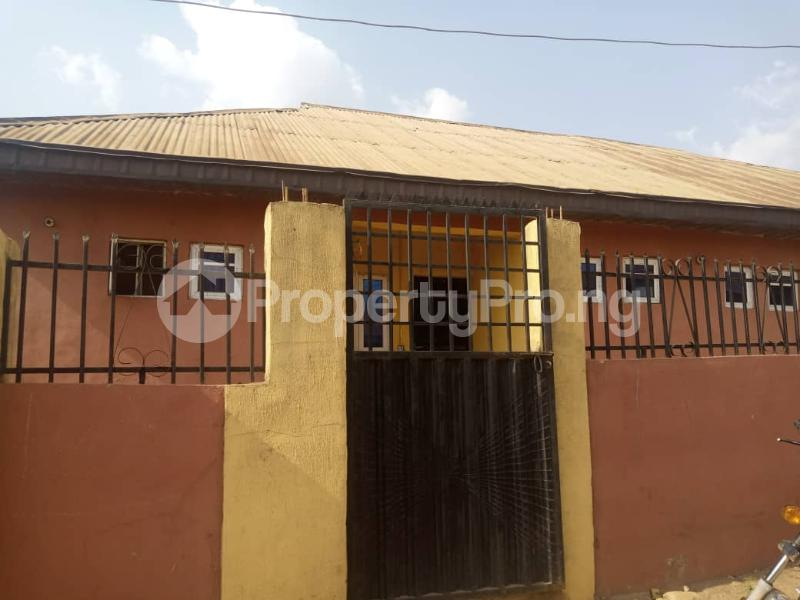 8 bedroom Flat / Apartment for sale Oloya area, Apete ibadan Ibadan Oyo - 6