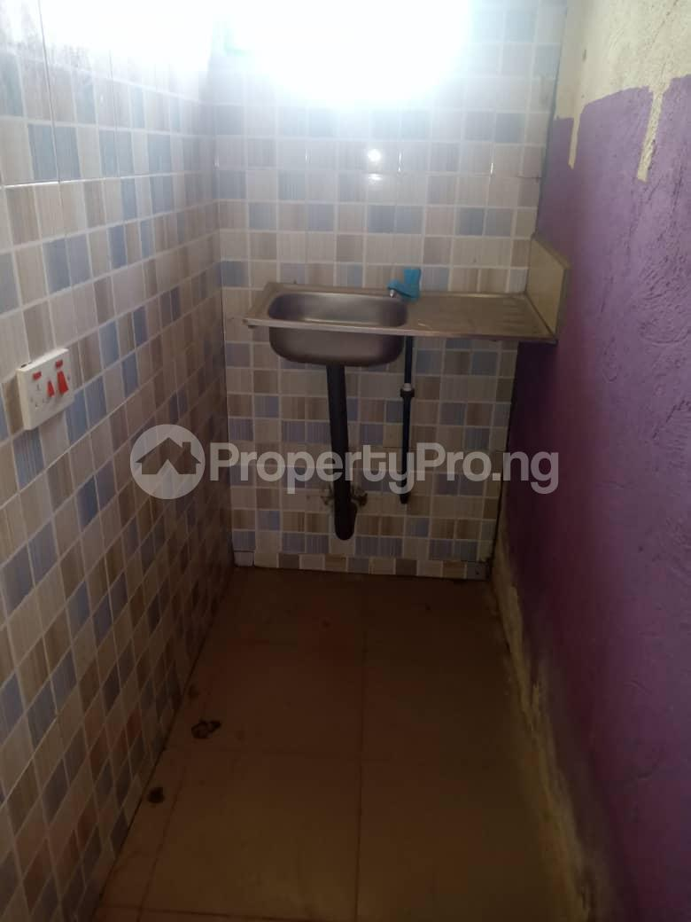 8 bedroom Flat / Apartment for sale Oloya area, Apete ibadan Ibadan Oyo - 10