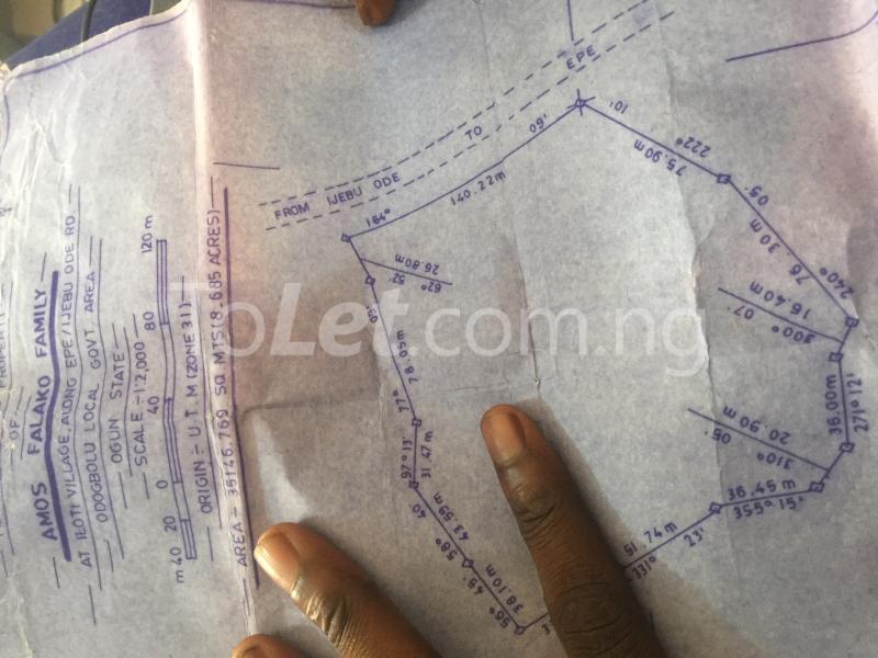 Land for sale Iloti Village Along Epe I.ode Rd Alekunifesowapo Odogbolu Ogun - 3