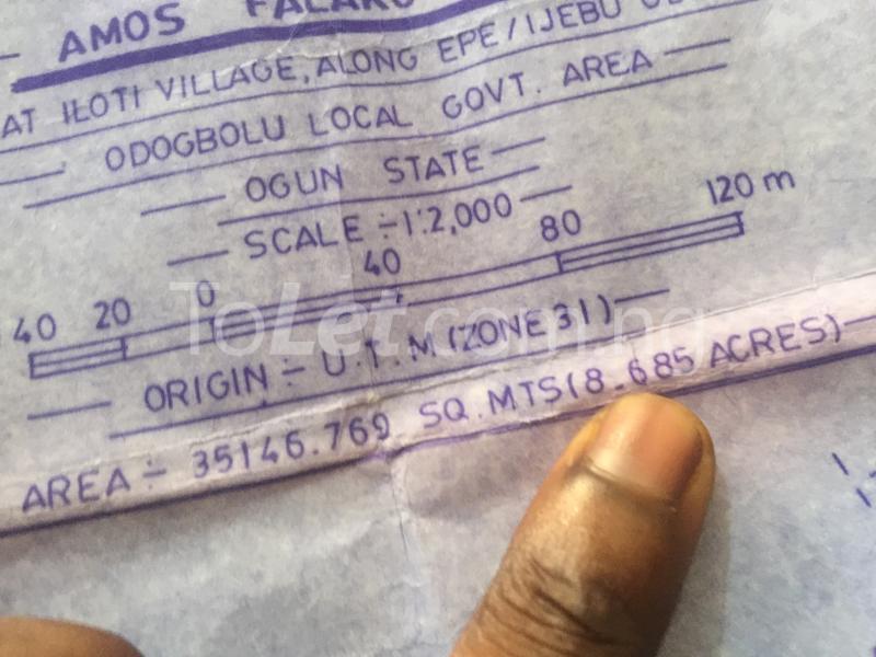 Land for sale Iloti Village Along Epe I.ode Rd Alekunifesowapo Odogbolu Ogun - 2