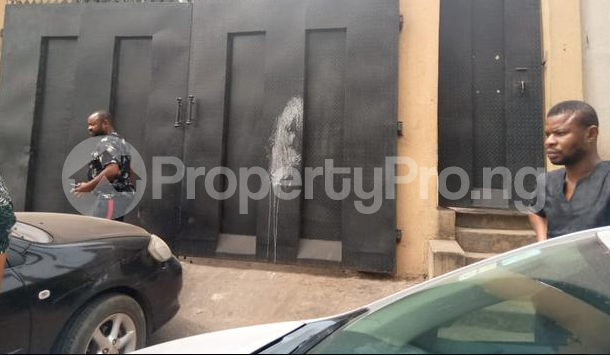 9 bedroom Detached Duplex House for sale GRA Onitsha North Anambra - 6