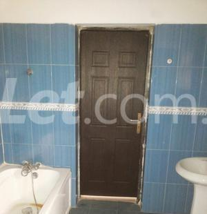 3 bedroom Shared Apartment Flat / Apartment for rent Onike Estate Onike Yaba Lagos - 11