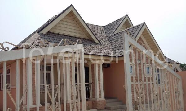 3 bedroom Detached Bungalow for sale Simawa/ Mowe Obafemi Owode Ogun - 0