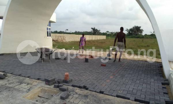 4 bedroom Show Room Commercial Property for sale Abijo Gra, Ajah, Lagos Coker Road Ilupeju Lagos - 1