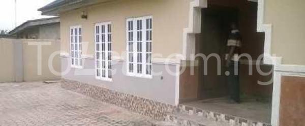 3 bedroom Detached Bungalow for sale Pakuro Area Opp. Deeper Life Camp; Lagos Ibadan Expressway, Mowe/ Ofada Obafemi Owode Ogun - 1