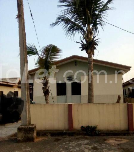 3 bedroom Detached Bungalow for sale Happy People Estate Off Lagos Ibadan Expressway; Magboro Obafemi Owode Ogun - 0