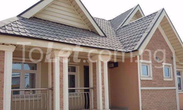 3 bedroom Detached Bungalow for sale Simawa/ Mowe Obafemi Owode Ogun - 1
