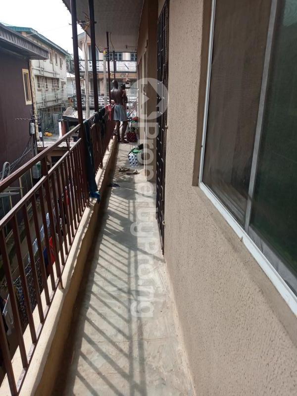 1 bedroom mini flat  Mini flat Flat / Apartment for rent Off George Street  Onipanu Shomolu Lagos - 6