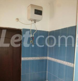 3 bedroom Shared Apartment Flat / Apartment for rent Onike Estate Onike Yaba Lagos - 3