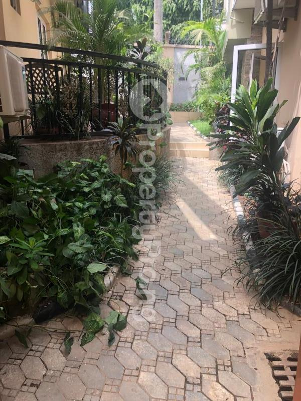 1 bedroom Studio Apartment for shortlet   Wuse 2 Abuja - 1
