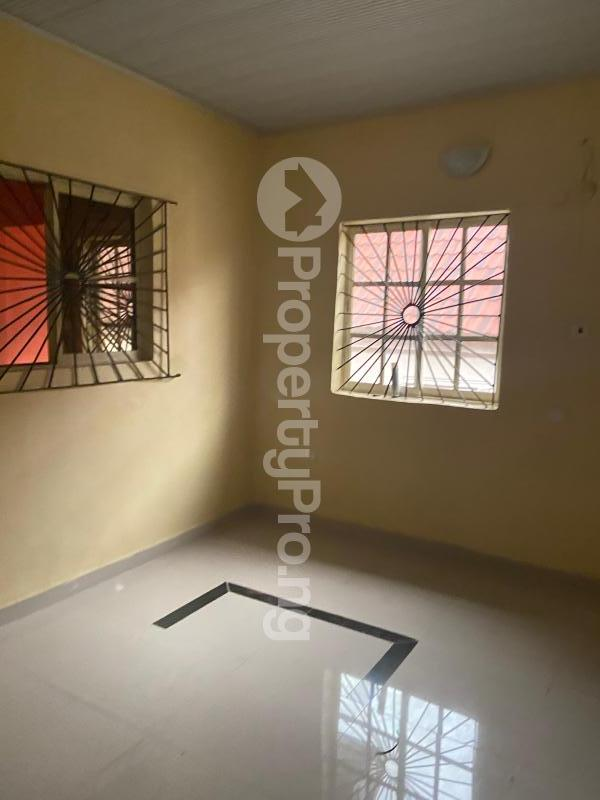 3 bedroom Shared Apartment Flat / Apartment for rent Atunrase Medina Gbagada Lagos - 5