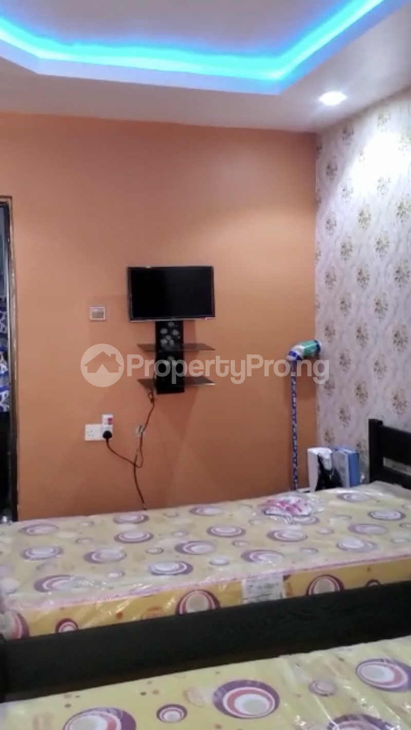 Self Contain Flat / Apartment for rent Off Unilag Road Yaba Abuleoga Nice Compound And Gated Compound Abule-Oja Yaba Lagos - 5