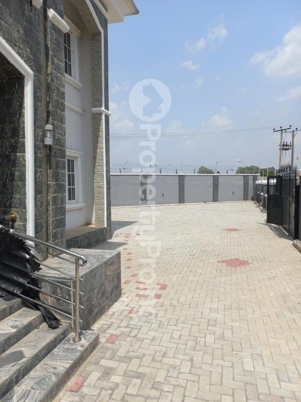 5 bedroom Detached Duplex for sale   Gwarinpa Abuja - 4