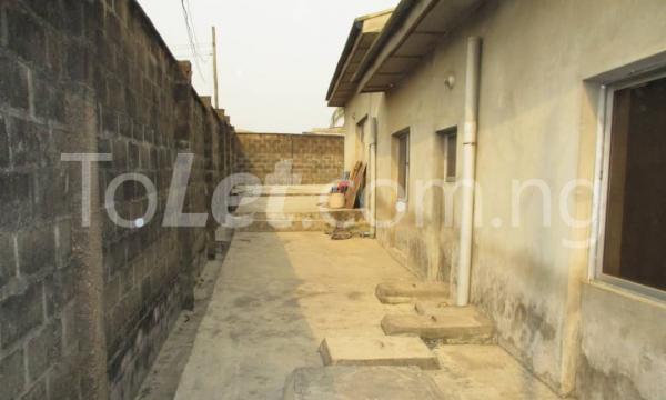 4 bedroom Detached Bungalow House for sale Kwara Quarters; Behind World Oil Filling Station, Ibafo Obafemi Owode Ogun - 1