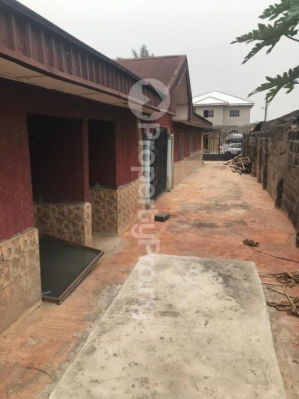 3 bedroom Detached Bungalow House for sale Uselu Shell, Benin City  Egor Edo - 12