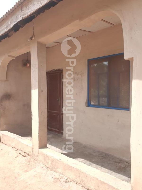 8 bedroom Terraced Bungalow House for sale 8 rooms on a half plot of land at ijoko abule nice environment secure area for sale  Agbado Ifo Ogun - 0