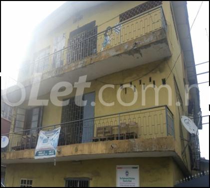 3 bedroom Flat / Apartment for sale Isikalu street, Off Coconut Bus/stop off Oshodi Apapa express way Olodi Apapa Apapa Lagos - 0