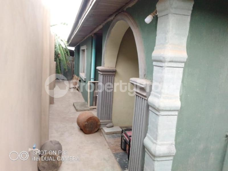 3 bedroom Detached Bungalow for sale Iyana Agbala New Ife Ibadan Expressway Iwo Rd Ibadan Oyo - 1
