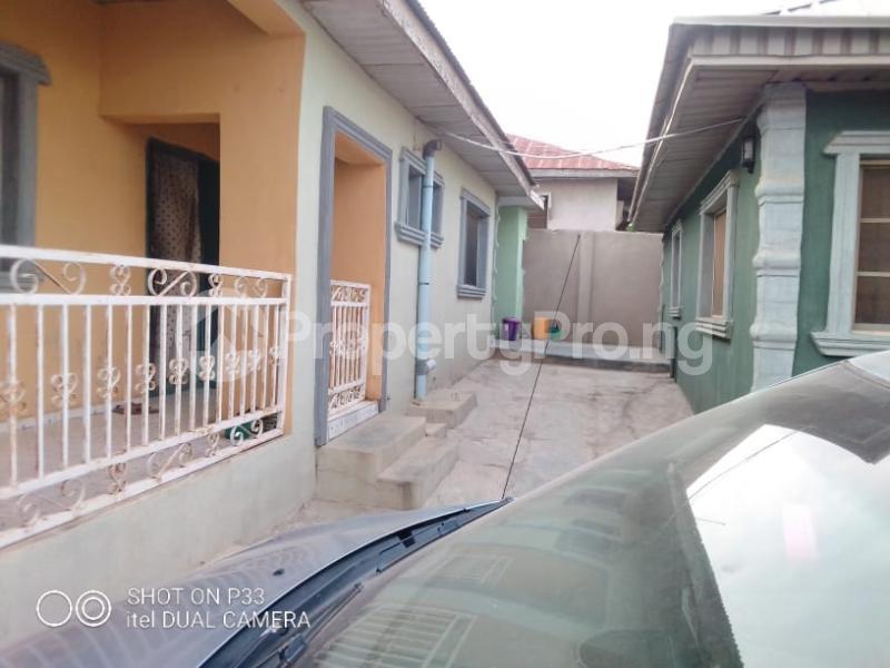 3 bedroom Detached Bungalow for sale Iyana Agbala New Ife Ibadan Expressway Iwo Rd Ibadan Oyo - 4