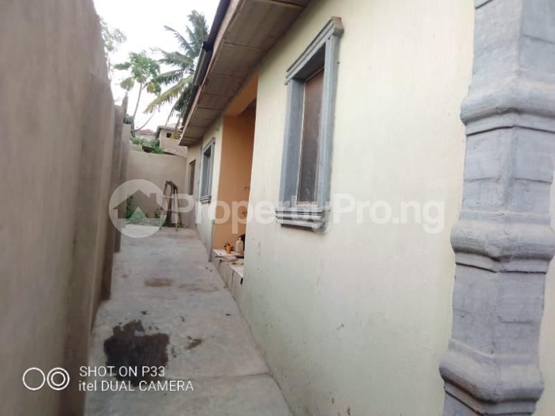3 bedroom Detached Bungalow for sale Iyana Agbala New Ife Ibadan Expressway Iwo Rd Ibadan Oyo - 2