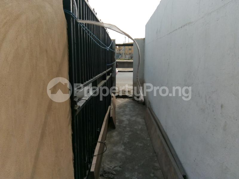 5 bedroom Office Space Commercial Property for rent 30, lkorodu road Jibowu Yaba Lagos - 1