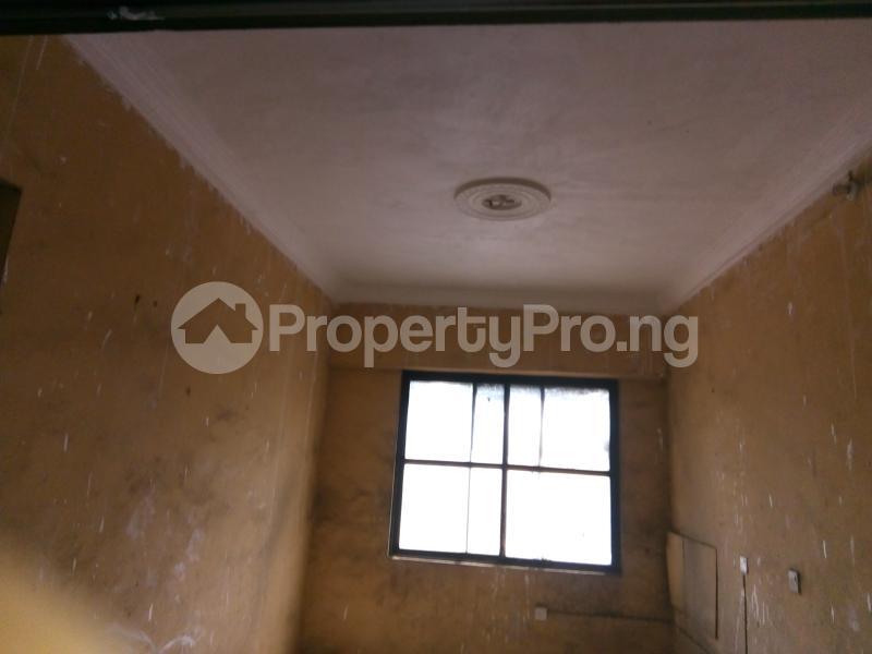 5 bedroom Office Space Commercial Property for rent 30, lkorodu road Jibowu Yaba Lagos - 2