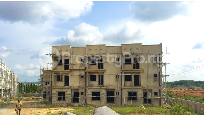 Detached Duplex House for sale  15 minutes away from the Abuja City Centre and 30 minutes away from Nnamdi Azikiwe International Airport Life Camp Abuja - 0