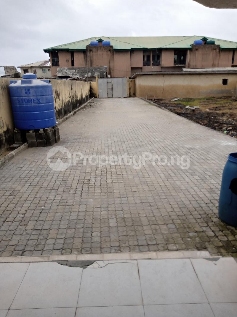 1 bedroom mini flat  Mini flat Flat / Apartment for rent Alpha beach road,shasanya street Igbo-efon Lekki Lagos - 5