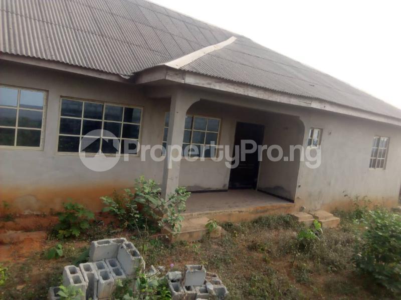 6 bedroom Detached Bungalow for sale Ikorodu Lagos - 1